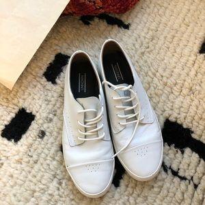 White oxford trainer sneaker unnown sz 8